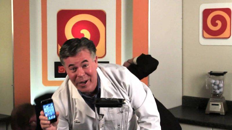 Youtube video - Правильная утилизация iPhone 4 после покупки :) - iphone 4, утилизация, юмор, youtube